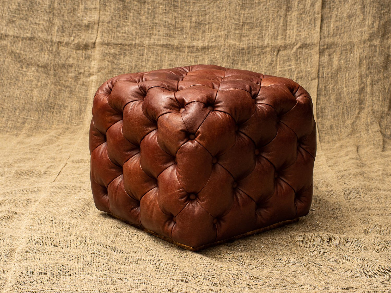 Пуф Chesterfield, Buttoned Leather