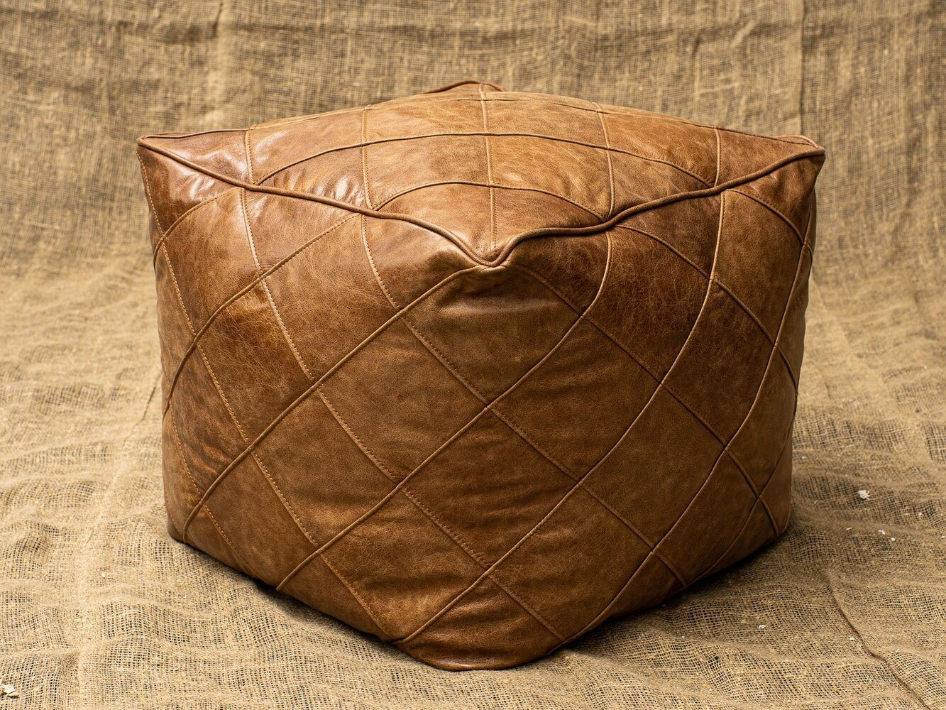 Пуф Softness Quilted Leather в лофт