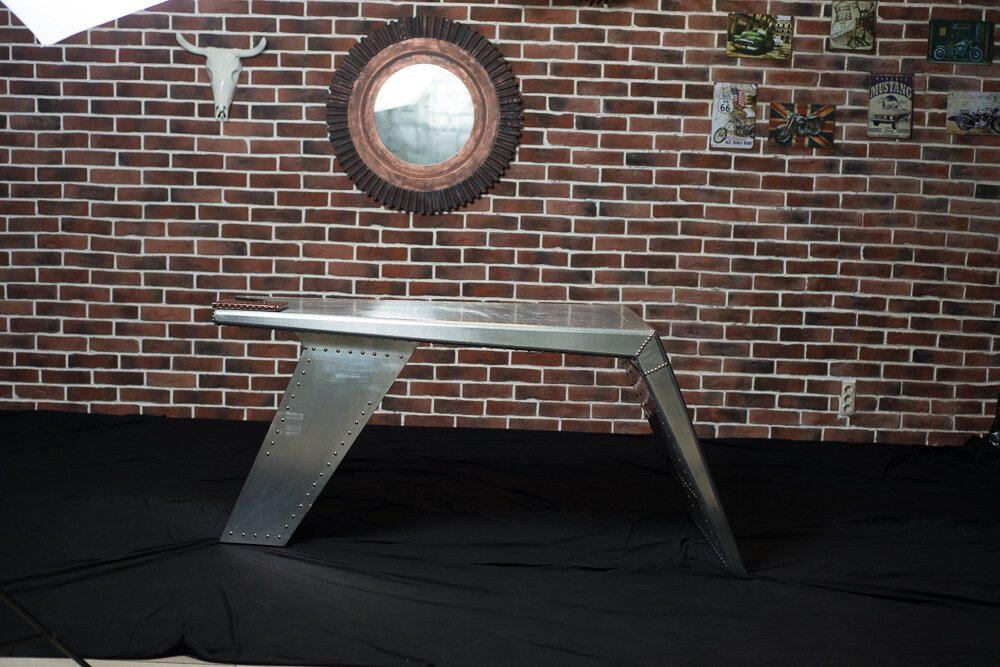 Стол Silver Wing Aluminum Finish в loft-стиле
